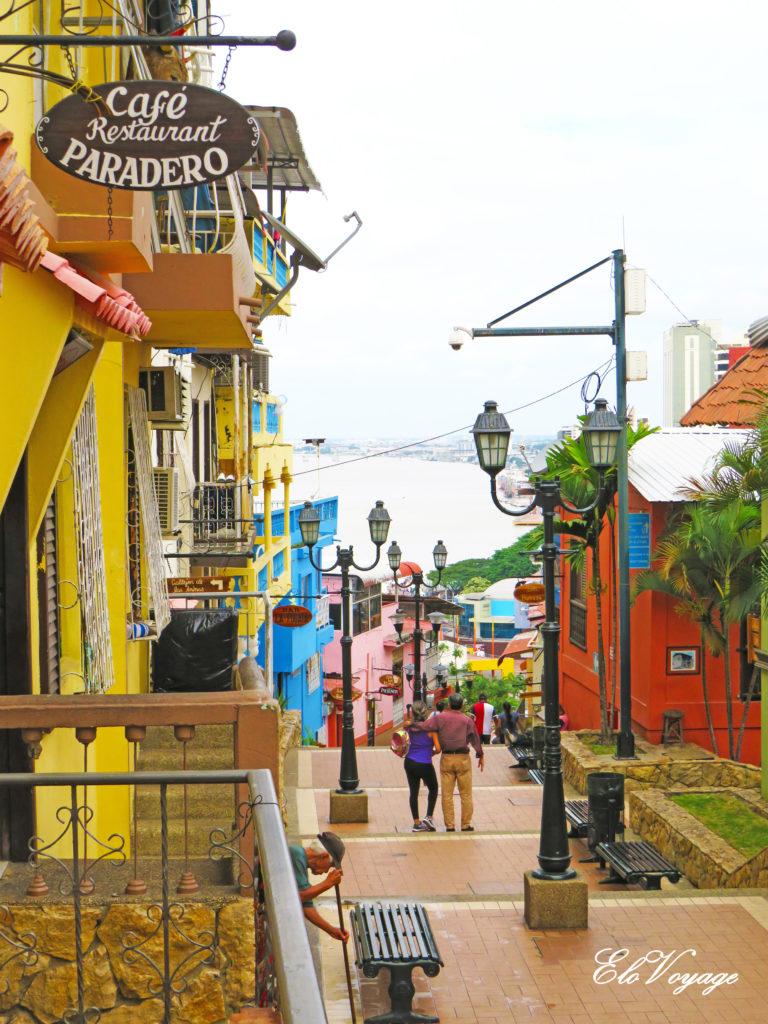 maisons colorées cerro santa ana guayaquil équateur