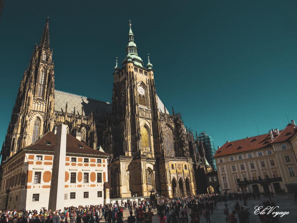 château royal de Prague et la cathédrale Saint-Guy