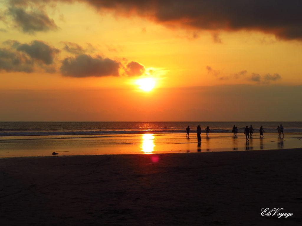 coucher de soleil plage Seminyak Bali