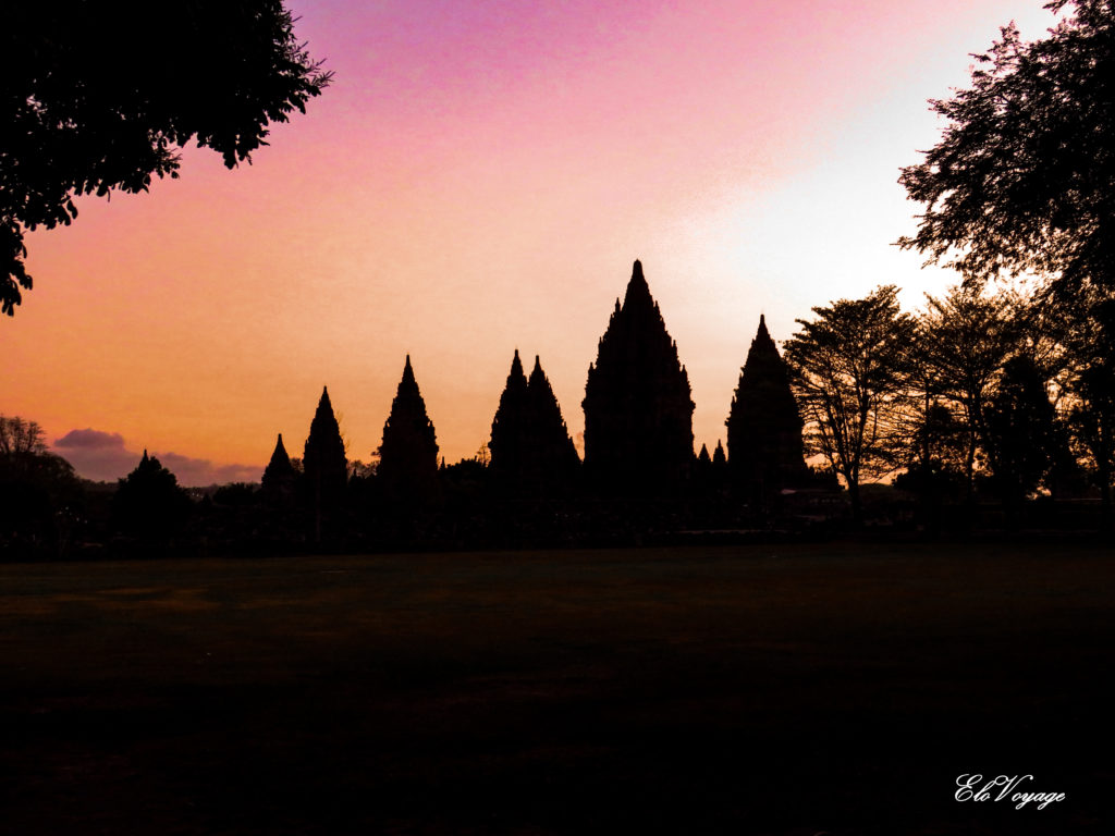 Coucher de soleil à Prambanan, Yogyakarta, Java