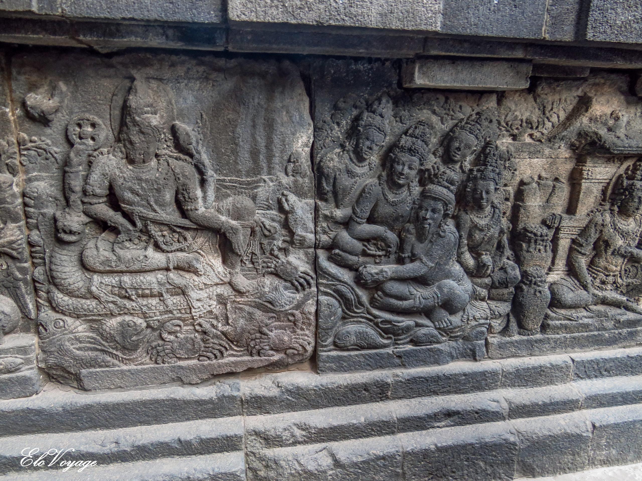 bas reliefs temple prambanan Yogyakarta Indonésie