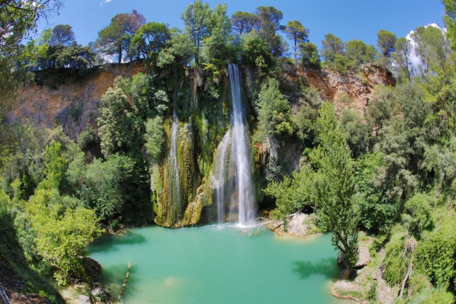 L'attribut alt de cette image est vide, son nom de fichier est lac-parc-national-mercantour-france-nature-1-1024x678.jpg.